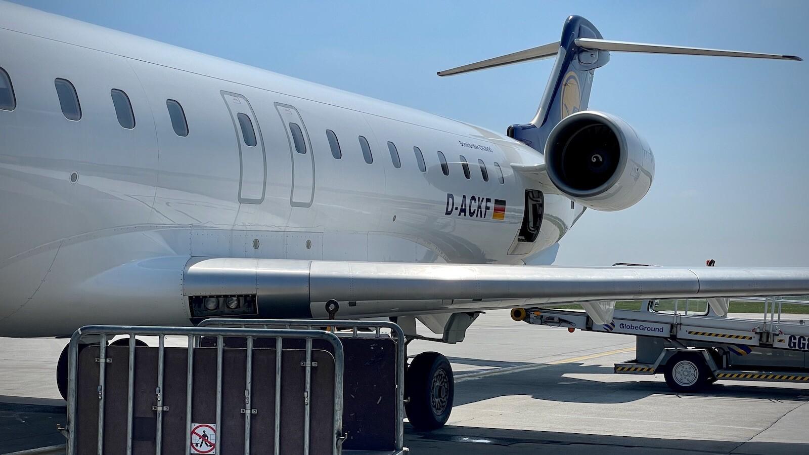 Reisen Fliegen Pandemie Corona Covid-19 Sars-CoV-2: Die Flieger sind kleiner als sonst.